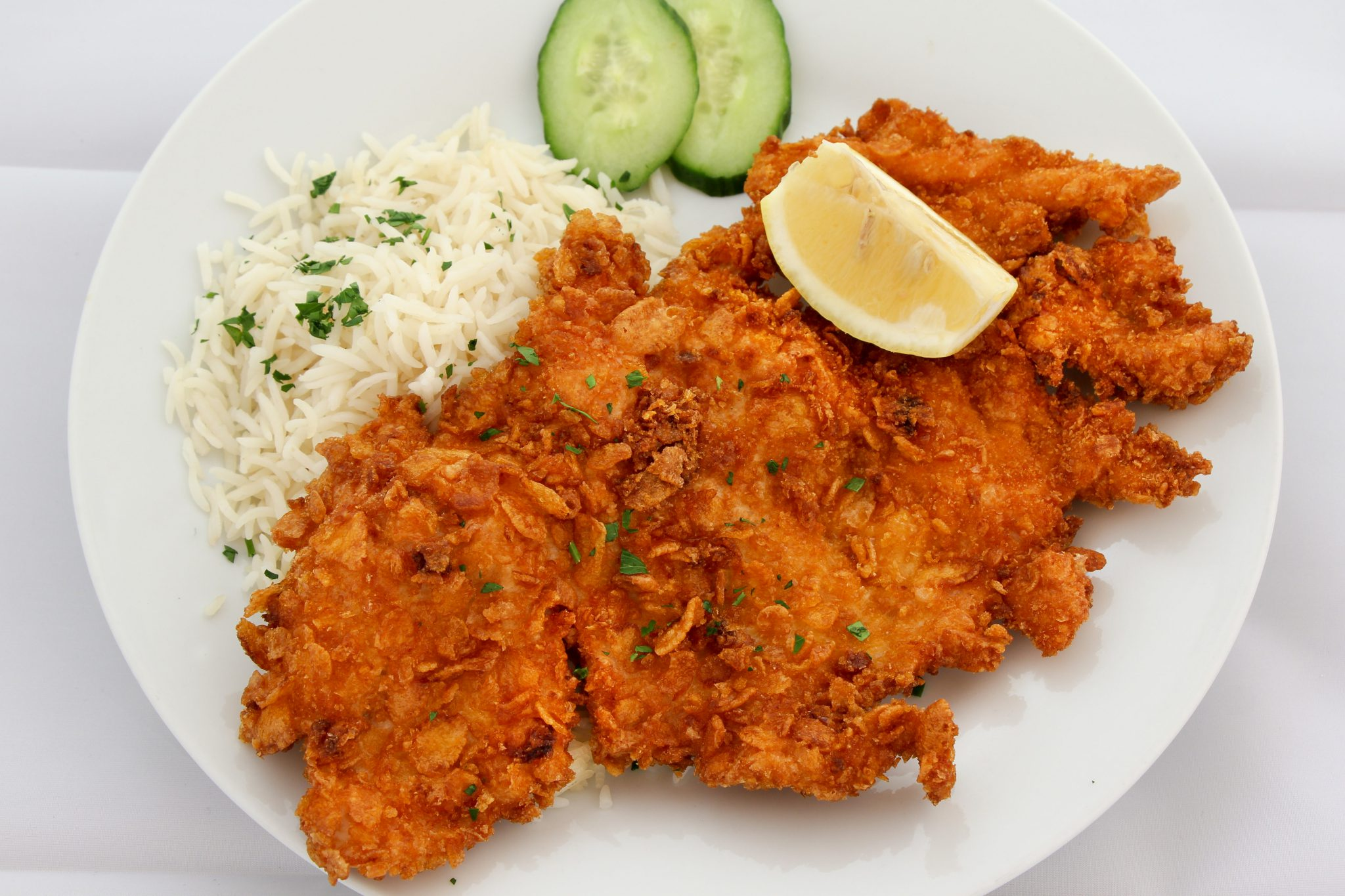 Hühnerschnitzel gebacken in knuspriger Cornflakes-Panier ACG
